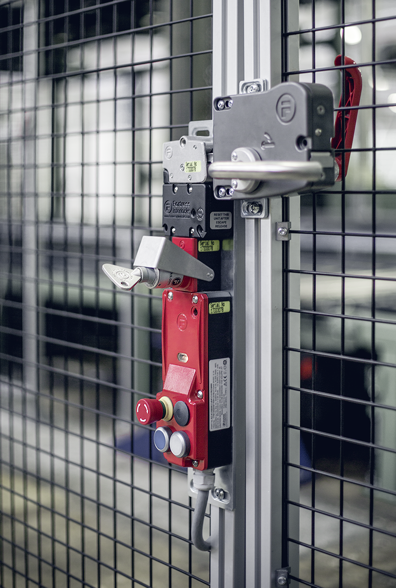 Fortress Interlocks amGard pro mit Türgriff