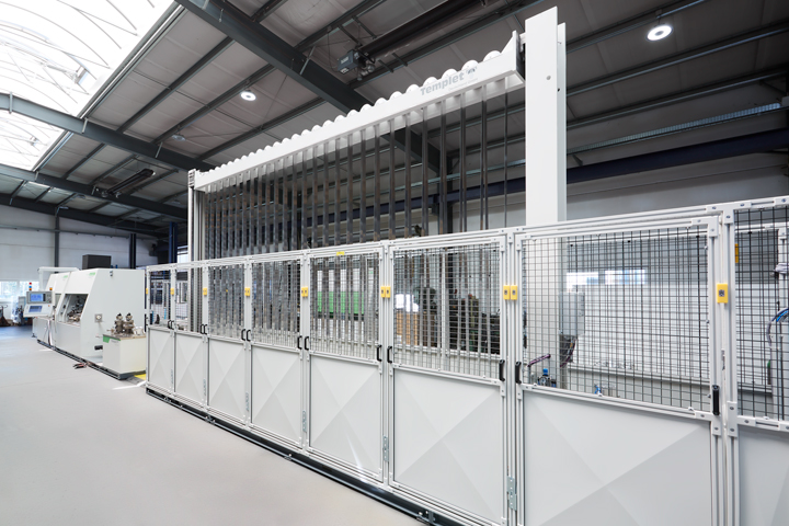 Safety enclosure with polycarbonate and grid