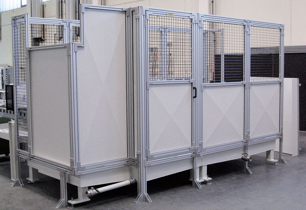 Safety enclosure with polycarbonate